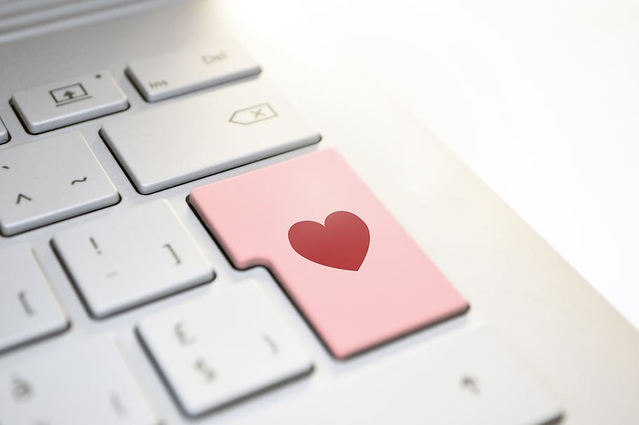 heart-love-keyboard-tech