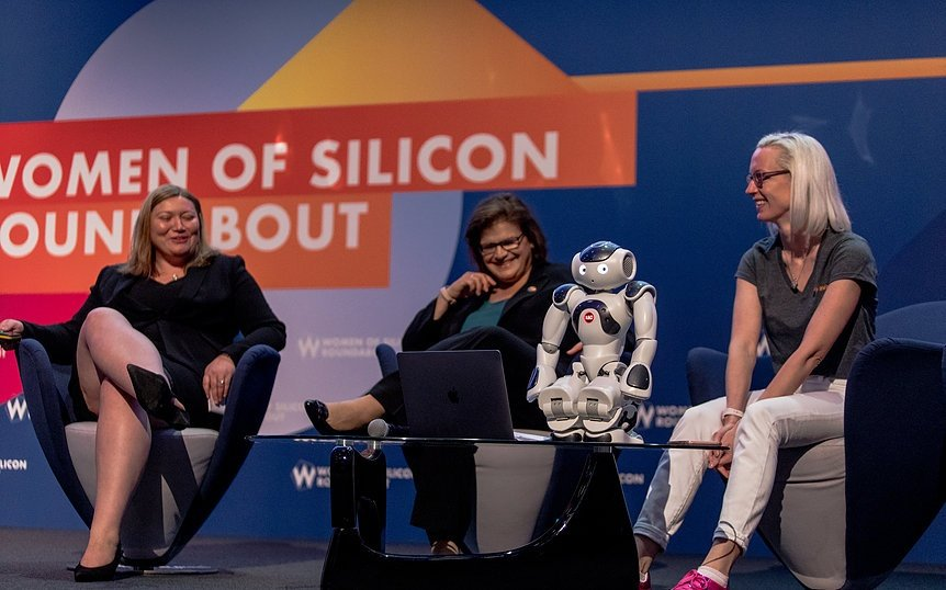 Panel-Robot-Women-of-Silicon-Roundabout